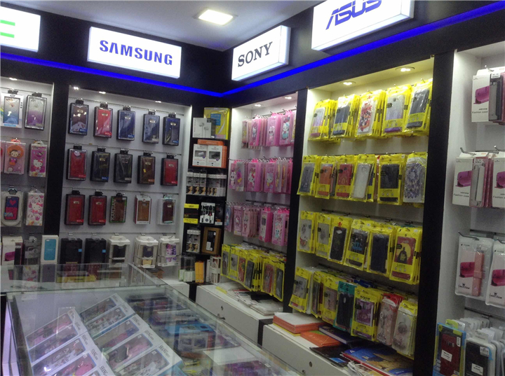 028 Small Cell Phone Accessories Store Interior Design
