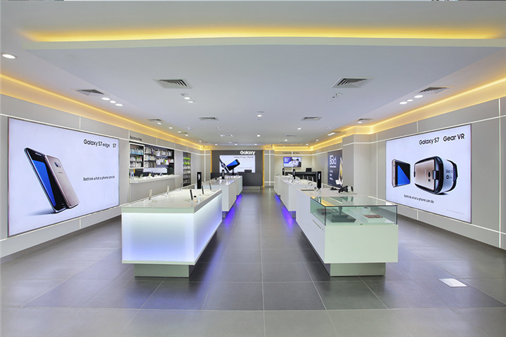 042 Samsung Experience Boutique Store In India Custom